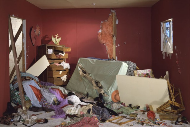 WallJdestroyed_room