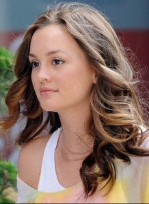 Leighton-Meester's-casual-Long-Hairs-2